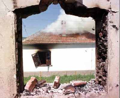 Serb Houses Set on Fire in Zitinje, Aug 99